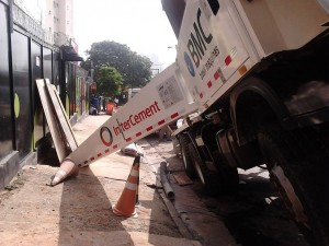 incidente-camion-bomba-2
